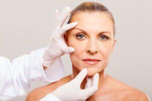 quelle-chirurgie-esthetique-50-ans