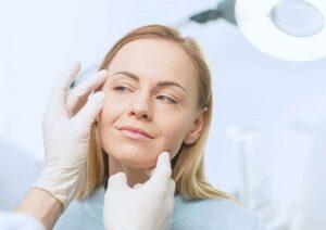 soin de votre peau après un lifting du visage
